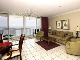 Stunning 18th-floor beachfront condo w/ views, a balcony & shared pool/hot tub!, Panama City Beach