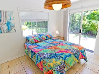 Clean & Cute; Budget Friendly; Tropical Home;, Haiku