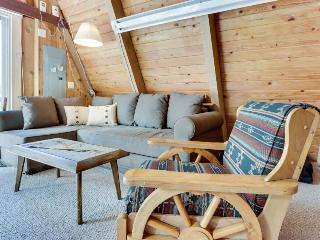 Pet-friendly cabin with room for eight, close ski access!