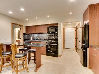 Modern dog-friendly condo w/ shared resort pool & hot tub and more!
