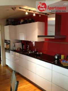 Charming 3 bedroom apartment, 5 min walk to Heden - 5451, Gothenburg