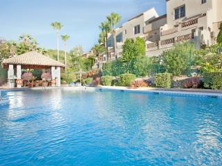 Tastefully furnished apartment Aloha, Marbella