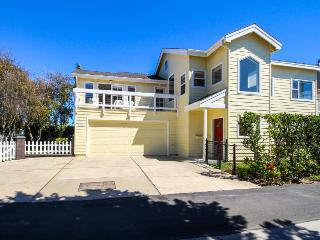 Oceanview house w/spacious interior just steps to Ventura Beach!