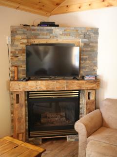 Fireplace, TV, Satellite TV & Blue Ray Player