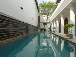 Ambassador's House - Pool