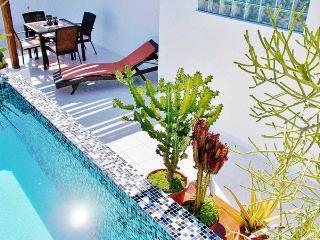 Casa Naaj 2 - Magic Apt, Terrace and Pool