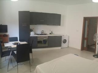 M0. Studio Ground Floor Apartment in the center of, Haz-Zebbug