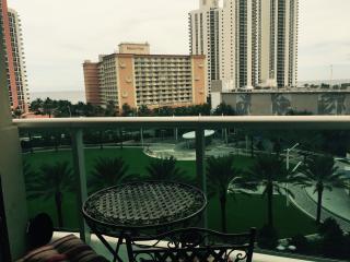 Beatiful 1bdr/2bthr ocean view apartment steps bea, North Miami Beach
