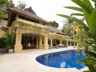 Bali Banyan Estate Luxury 6 Bedroom Villa. Perfect for Family and Functions
