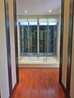 Master Bedroom Ensuite Spa Bathroom