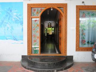 T. Nagar (Pondy Bazar), Krishna St., Classic Room, Chennai (Madras)