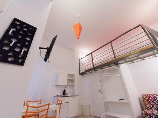 ZICO Apartments Orange Studio