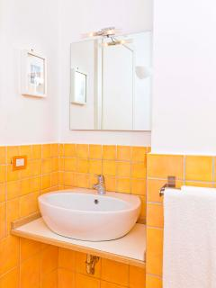 all bedrooms are equipped with air conditioning and en suite bathroom with shower