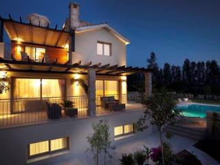 Exclusive Luxury Villa Limni - Private Sandy Beach, Argaka