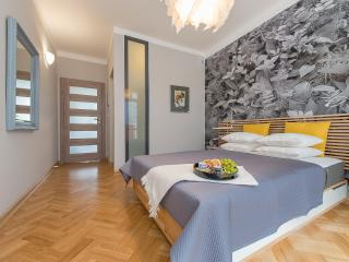 One Bed. Apartment GALERIA BRACKA
