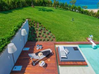 Villa in Nea Roda, Athos, ID: 3354