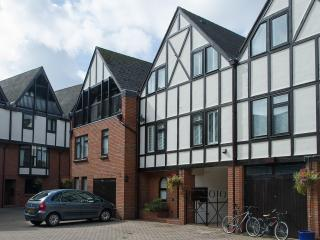 No 4 Lysander Court, Stratford-upon-Avon