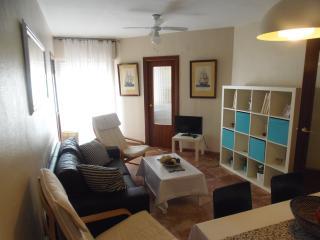 Piso de 2 dormitorios a pie..., Cadix