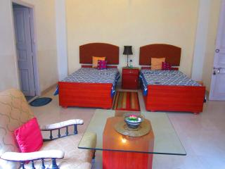 30 C- 2 bedroom Service Apartment, Kolkata (Calcutta)