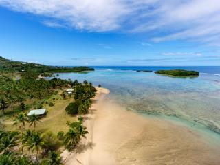 The ultimate beach bungalow!, Savusavu