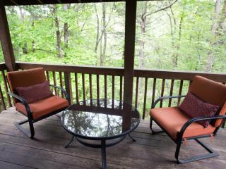 Enchanted Forest Resort: Shady Oak Cabin, Eureka Springs