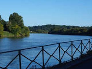 Face à St Emilion, bord de rivière, Cabara