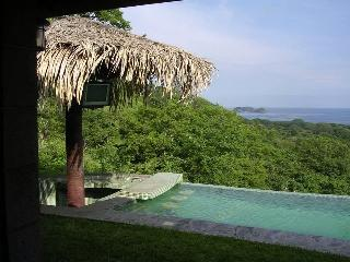 Beautiful Home 3bath/3Bedroom, Playa Hermosa