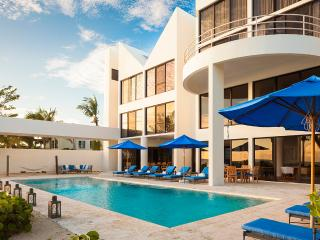 Antilles Pearl at Altamer, Sleeps 10, West End Village