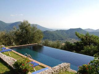 Al Seminario, Sleeps 8, Arliano