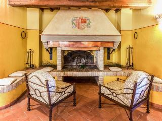 Beautiful Tuscan Villa on a Large Estate  - Casale Mimma