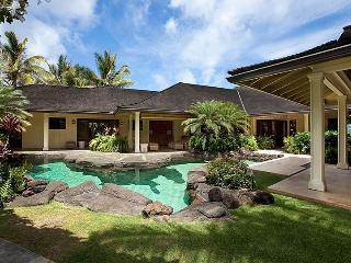 Plantation at Paradise Point, Sleeps 10, Kailua