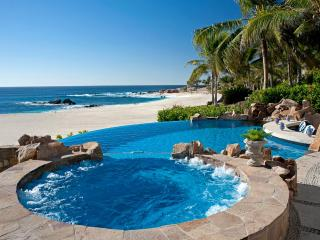Beachfront Villa 482, Sleeps 6