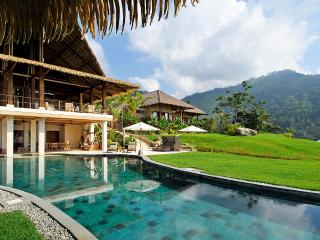Villa Mayana, Sleeps 16, Dominical