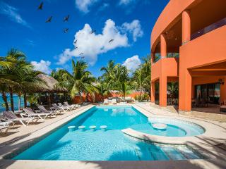 Cenote del Mar, Sleeps 18