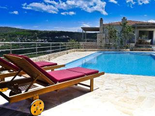 Villa Levanda, Sleeps 4, Gavalochori