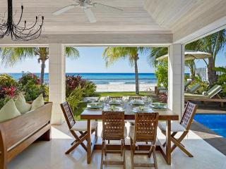 Radwood Beach Villa 2, Sleeps 6