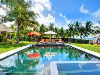 Villa Sul Mare, Sleeps 10, Paradise Island