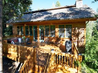 Granite Ridge Homestead, Sleeps 10