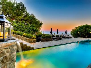 Stone Manor, Sleeps 10, Malibu