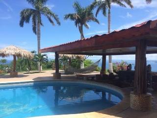 Luxury Villa Vista de Oro with Chef Included!