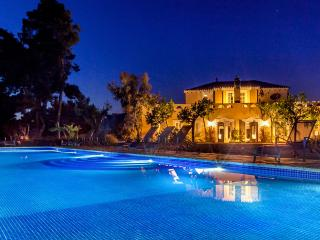 Casa Nova Estate, Sleeps 22