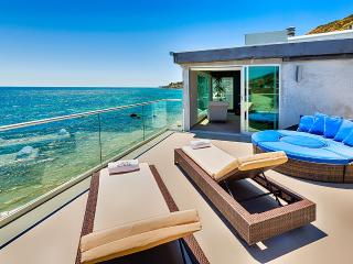 Oceanfront Celebrity, Sleeps 12, Malibú
