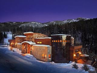 Over the Edge Chalet, Sleeps 16, Steamboat Springs