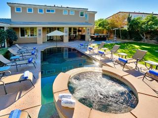 Orchard, Sleeps 12, Indio
