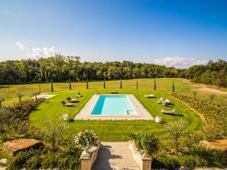 Villa Bacco, Sleeps 18, Arezzo