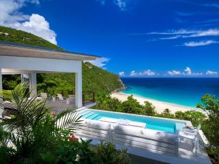 Villa Ventana, Sleeps 2, Trunk Bay
