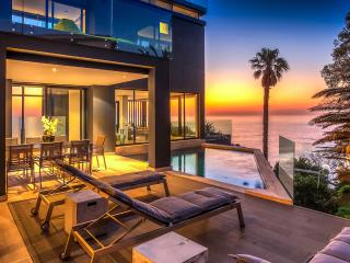 The Oracle, Sleeps 10, Bantry Bay