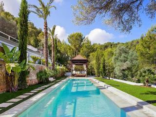 Villa Bali, Sleeps 16, Sant Miquel De Balansat