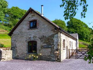 BOFFINS BARN AT PEN ISA CWM, detached, woodburning stove, excellent walking, in