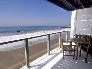 Large 3+3 Malibu Oceanfront Home on Private Beach